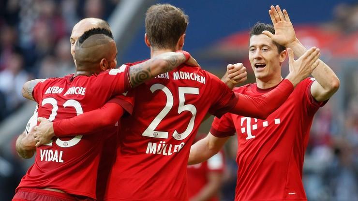Schalke na drodze niepokonanego Bayernu