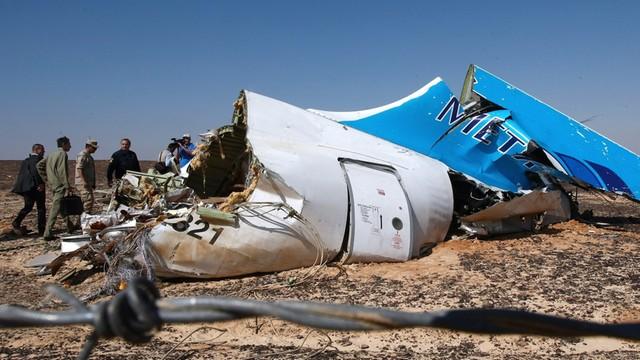 Szef brytyjskiego MSZ: katastrofę na Synaju spowodowała prawdopodobnie bomba