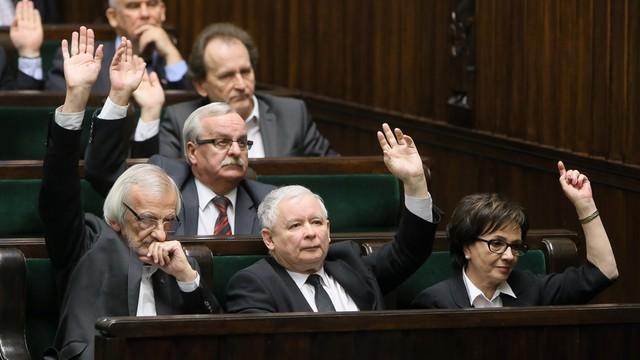 Kaczyński: Dzięki PO Trybunał Konstytucyjny stał się instytucją partyjną