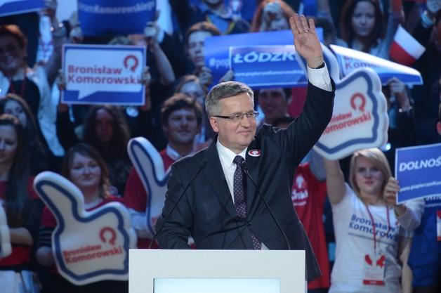 Komorowski: Polacy oczekują Polski, która łączy, a nie dzieli