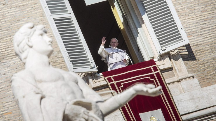 Papież: Kościół służy biednym, ale to nie opieka społeczna ani polityka