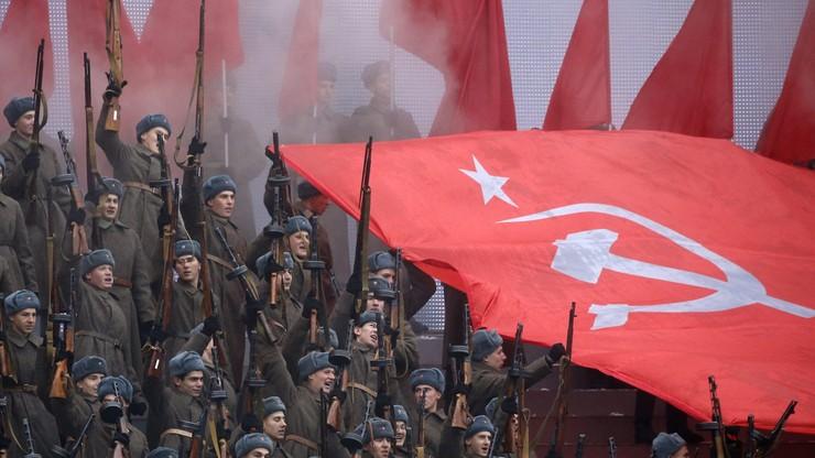 Komuniści manifestowali w Moskwie w 99. rocznicę przewrotu bolszewików
