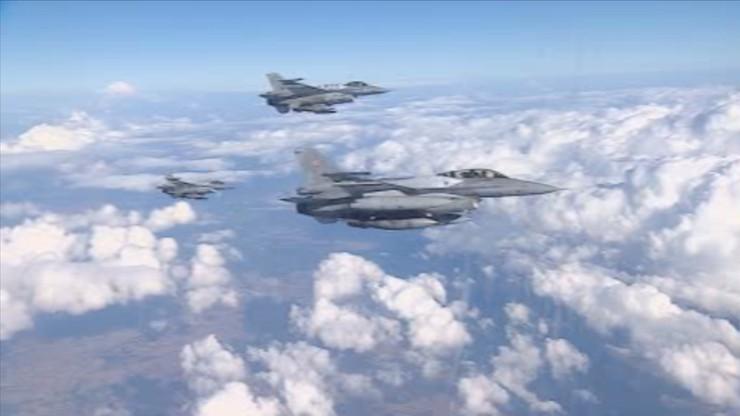 Polski myśliwiec F-16 zderzył się w powietrzu z niezidentyfikowanym obiektem