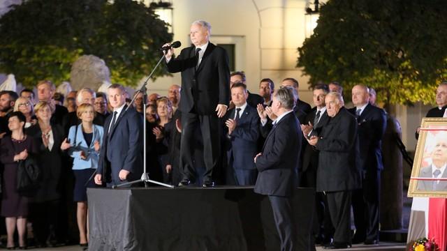 Prezes PiS: nikt nie narzuci nam woli z zewnątrz; pozostaniemy wyspą wolności