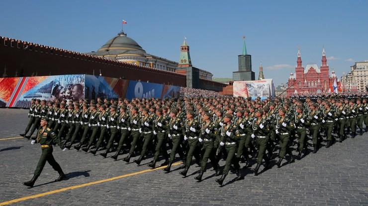 """""""Rosja pręży muskuły"""". Defilada wojskowa na Placu Czerwonym"""