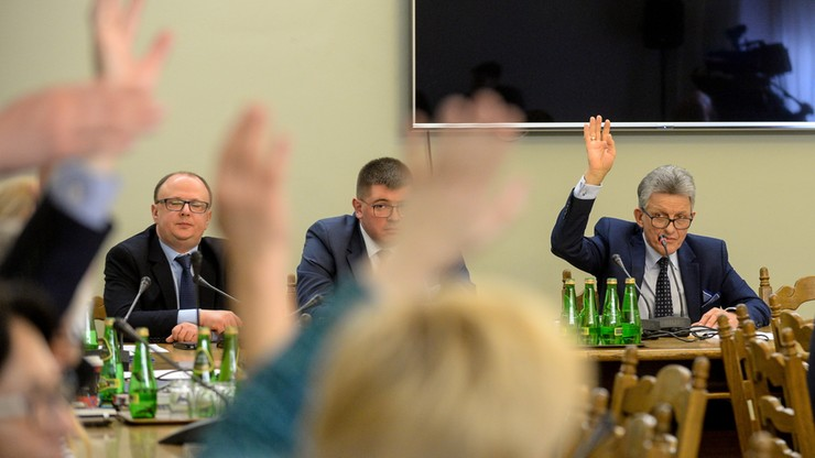 Opozycja: wybór sędziego TK z naruszeniem przepisów. PiS: procedura dochowana