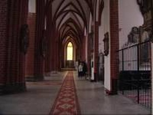 Państwowa ziemia, łapówki i Kościół