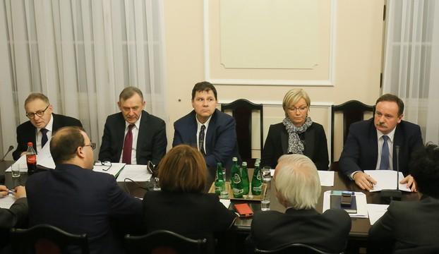 Sejmowa komisja rekomenduje pięciu kandydatów na sędziów TK