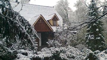 2016-04-27 Zima na polskiej Orawie. W środę spadło kilka centymetrów śniegu