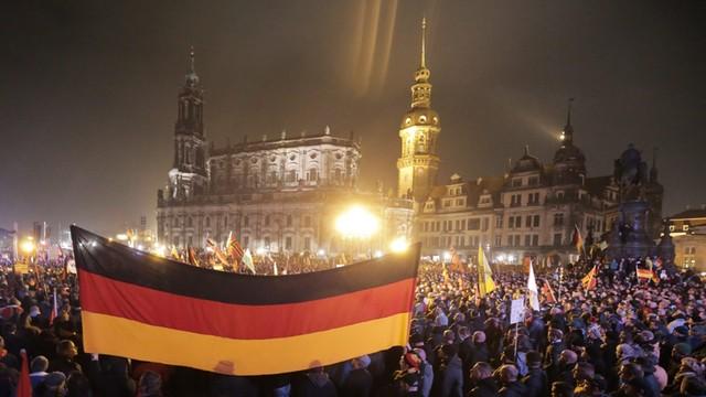 Komitet Oświęcimski potępił przemówienie na wiecu Pegidy - odrażający przejaw bezwstydu