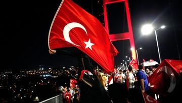 23-07-2016 14:52 Turcja krytykuje sojuszników za brak poparcia po zamachu