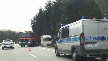 2017-03-25 Wypadek tira niedaleko Dąbrowy Górniczej. Utrudnienia na trasie S1