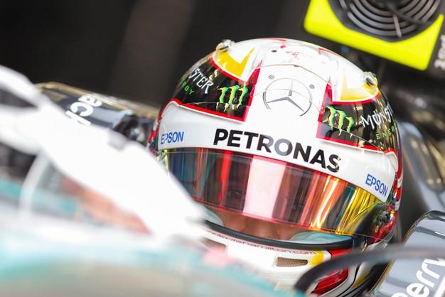 Formuła 1: Hamilton najszybszy na ostatnim treningu w Bahrajnie
