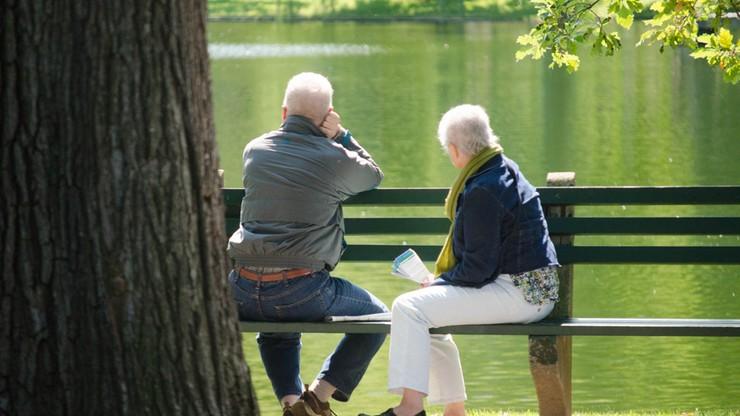 Premier: obniżka wieku emerytalnego po wakacjach, podwyżka kwoty wolnej stopniowo