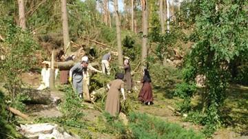 """""""Ściana wody i uginające się drzewa. Potem - uderzająca cisza"""". Zakonnice z Orlika walczą ze skutkami nawałnicy"""