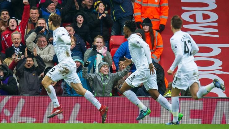 Wielki mecz Swansea! Drużyna Fabiańskiego podbiła Anfield