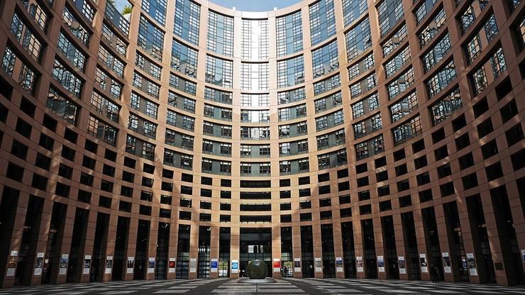 PE wzywa do uruchomienia wobec Węgier art. 7 traktatu UE. Procedura może zakończyć się sankcjami