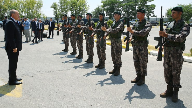 Erdogan wprowadza zmiany w wojsku