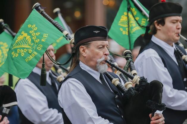Irlandia: toast zielonym piwem w dniu św. Patryka