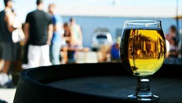 19-04-2016 12:50 1,4 tys. mandatów za picie alkoholu nad Wisłą w 2015 r.