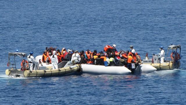 Nowa fala migrantów ciągnie do Włoch. Może ich być nawet 180 tysięcy!