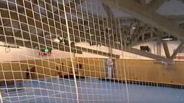 2017-01-16 Chwile grozy w Czechach! Podczas meczu zapadł się dach! (WIDEO)
