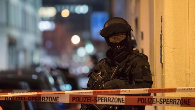 Trwa pościg za sprawcą strzelaniny przy ośrodku islamskim w Zurychu