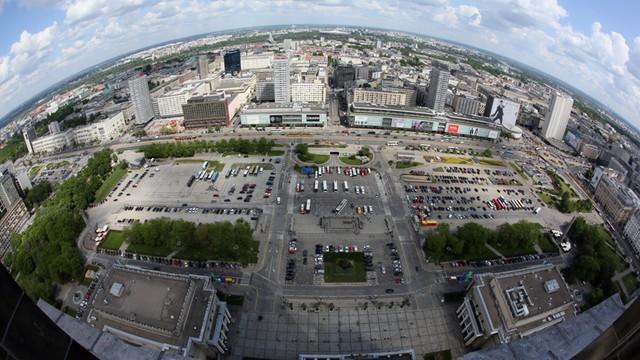 Ministerstwo Finansów: Warszawa pospieszyła się ze zwrotem działki na pl. Defilad