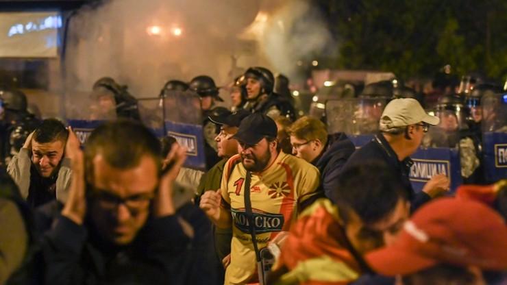 Macedonia: Policja rozproszyła demonstrantów przed parlamentem