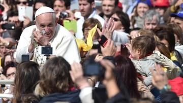 """10-04-2016 11:59 """"Sueddeutsche Zeitung"""": papież mówi o miłości, ale odmawia jej gejom"""