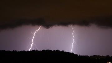 IMGW ostrzega: gwałtowne burze z gradem nad Polską