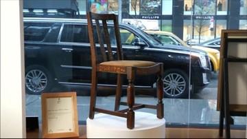 Krzesło J.K Rowling sprzedane. Cena jest rekordowa