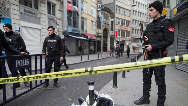 Turcja: policja szuka trzech członków IS, planujących zamachy