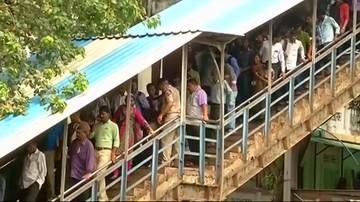 Wybuch paniki na stacji kolejowej w Bombaju. Zginęły co najmniej 22 osoby