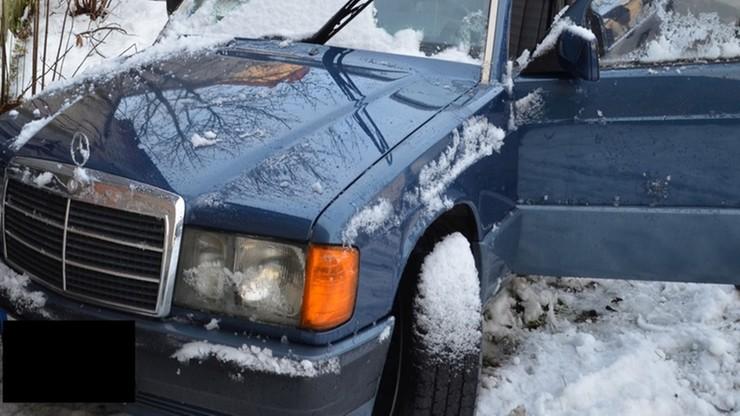 """Ukradli samochód, ale wypadli z drogi. Zima pokonała złodziei jak z filmu """"Gang Olsena"""""""