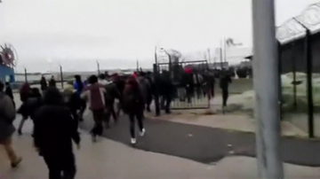 """25-01-2016 18:19 Kryzys imigrancki: Calais prosi o pomoc wojskową """"zanim dojdzie do tragedii"""""""