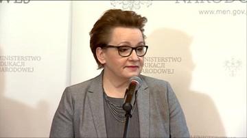 """20-04-2017 09:26 """"Uszanuję podpisy obywateli"""". Zalewska o wniosku ws. referendum"""