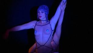 Słynny paryski kabaret podbija Singapur. Jest znany z erotycznych pokazów