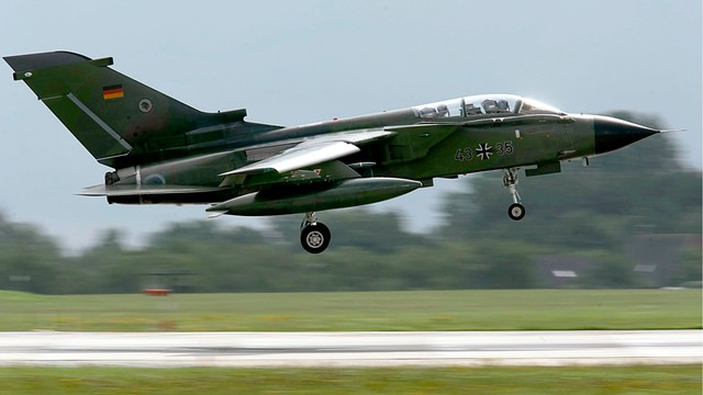 Niemcy chcą wysłać myśliwce Tornado do walki z IS w Syrii?