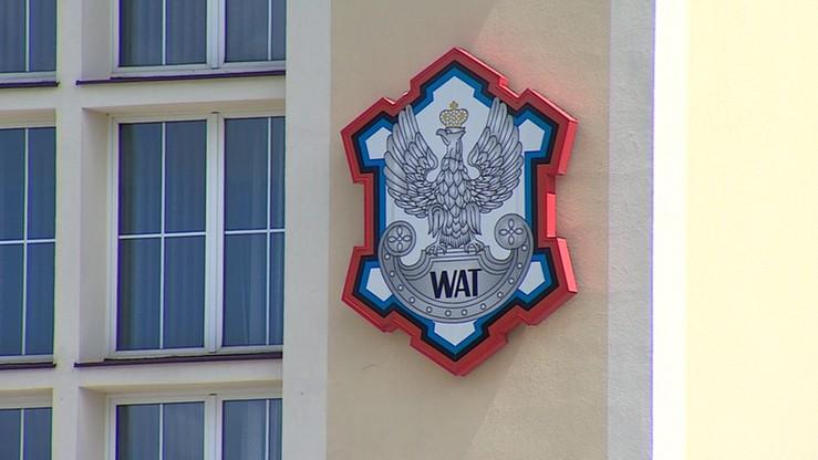 Osiem osób z zarzutami wyłudzeń na szkodę WAT