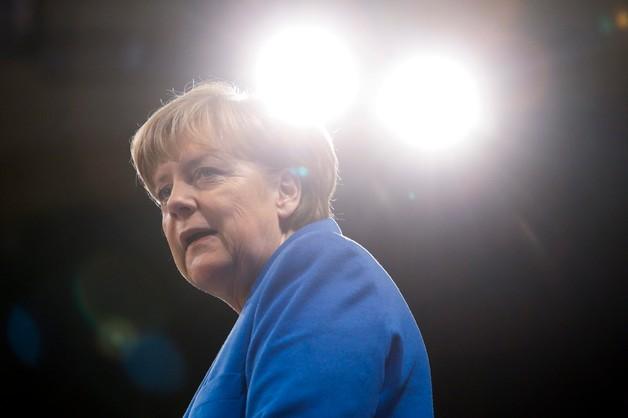 Merkel popiera pomysł wspólnej armii europejskiej