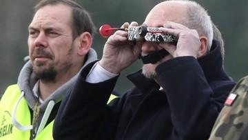 """08-11-2016 13:48 Bojowe """"Łosie"""". Macierewicz chce kupić tysiące dronów"""