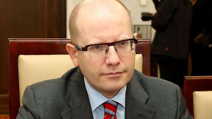 Czeski premier odrzuca łączenie spraw dotacji w Unii z migracją