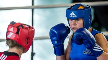2016-11-19 Kinga Siwa w półfinale ME w boksie