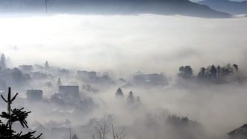 23-12-2015 18:37 Sarajewo utonęło we mgle i w smogu. Zamknięte szkoły