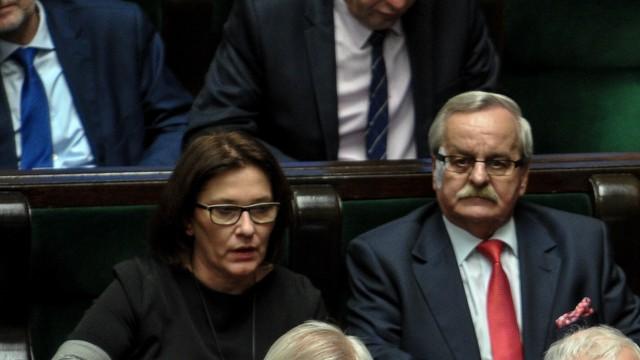 Beata Mazurek: PO odstawia szopkę