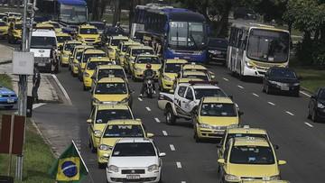 02-04-2016 07:31 Rio: protest taksówkarzy przeciw Uberowi sparaliżował miasto