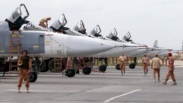 Niebezpieczne manewry rosyjskich myśliwców w pobliży amerykańskiego niszczyciela
