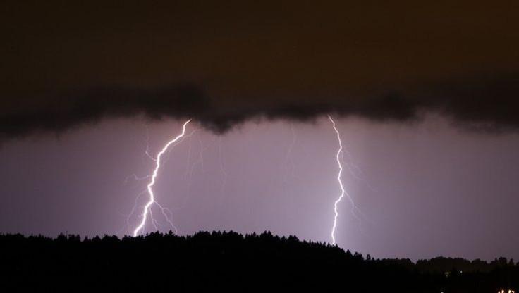 Możliwe burze z gradem na zachodzie kraju. Ostrzeżenie IMGW