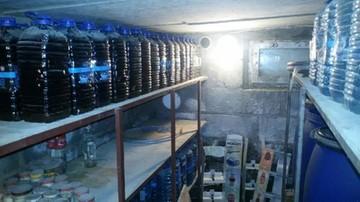 03-03-2017 11:18 Zlikwidowano bimbrownię. Znaleziono prawie 3 tys. litrów alkoholu